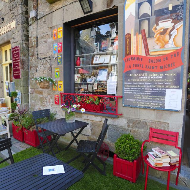 Becherel, Petite Cite de Caractere de Bretagne, est la ville choisie pour implanter le projet de l'association : La Cite du Livre.Cite d'Art.