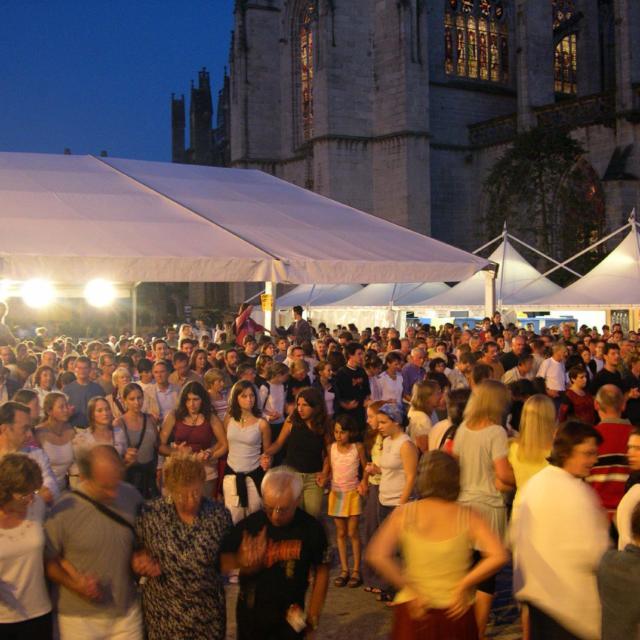 1-festival-de-cornouaille-fest-noz-place-st-corentin-3.jpg