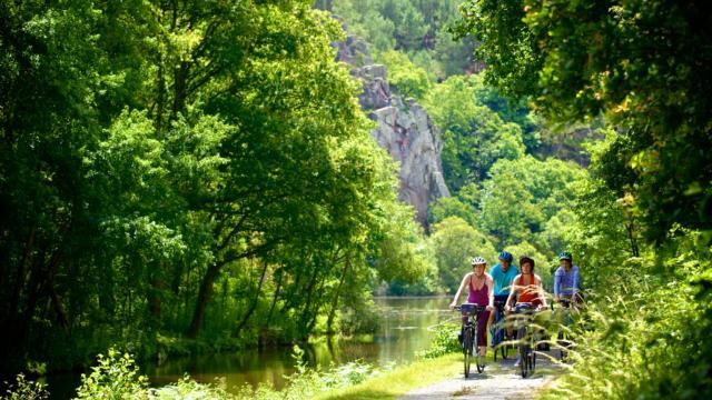 le site de l'Ile aux pies sur la riviere de l'Oust, Classe Grand Site NaturelVue sur l'Oust.