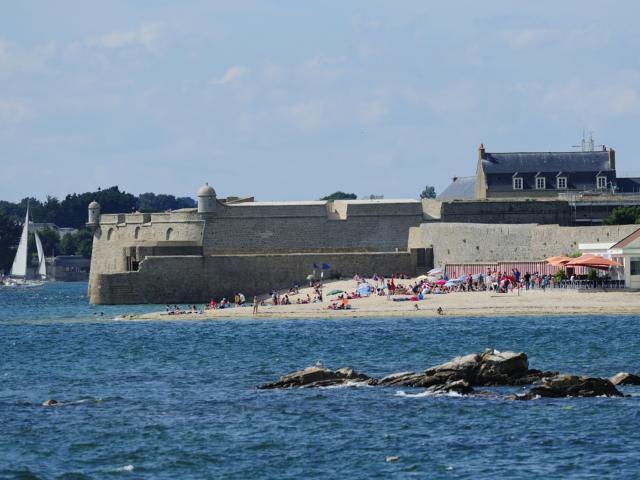 Port-Louis - Citadelle et plage