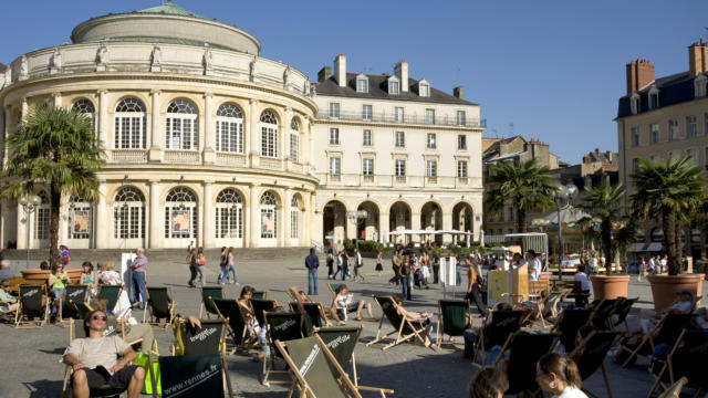 France, Ille et Vilaine (35) Rennes, transats place de la mairie devant le theatre opera