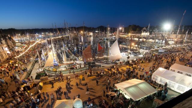 1-festival-du-chant-de-marin-paimpol-vue-nocturne.jpg