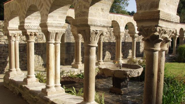 Plougastel Daoulas - Abbaye - Le cloitre