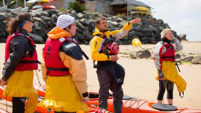 accostez-en-kayak-au-phare-de-la-croix-2.jpg