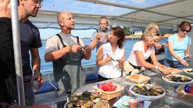 Explorez les parcs à huîtres avec Ivan