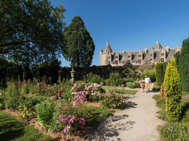 jardin-du-chteau-de-josselin-emmanuel-berthier.jpg