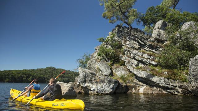 Lac de Guerlédan - Balade en canoe kayak