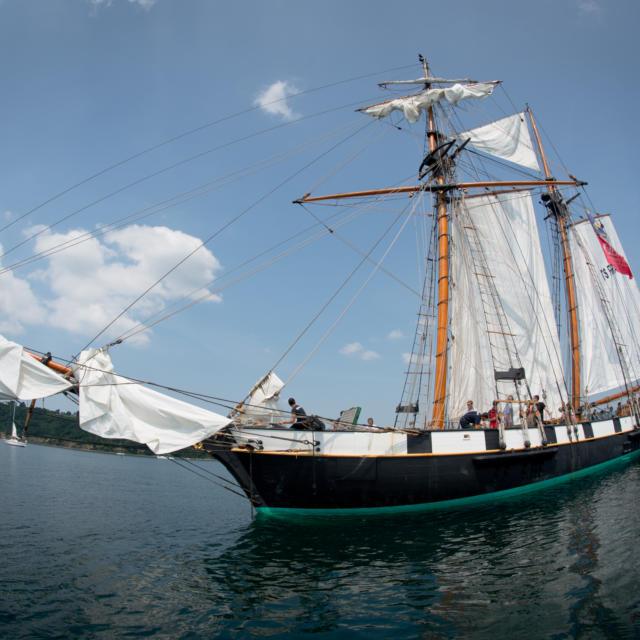 Sur les traces des premiers navigateurs à bord de La Recouvrance