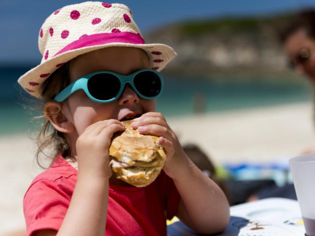 Journée à la plage du Corsen à Plouarzel en famille