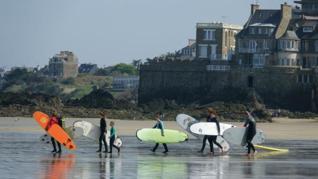 Surf à Saint-Malo