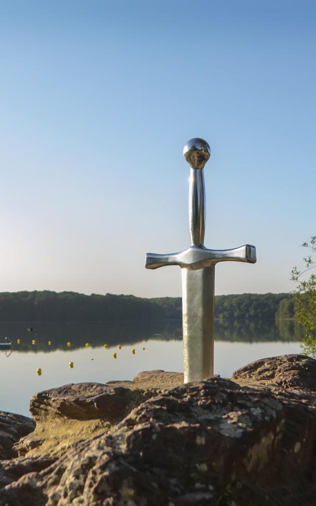 Epée Excalibur - Lac de Trémelin