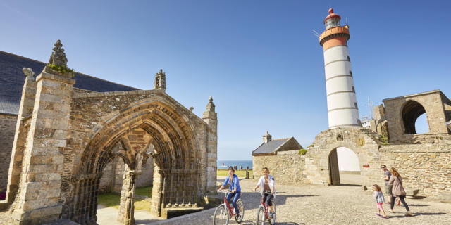 phare-de-la-pointe-saint-mathieu-plougonvelin-alexandre-lamoureux-crtb-ad4302-.jpg