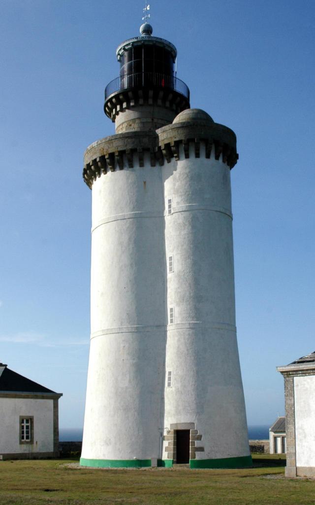 phare-du-stiff-ouessant-rgion-bretagne-service-de-linventaire-du-patrimoine-culturel-guillaume-lcuillier.jpg
