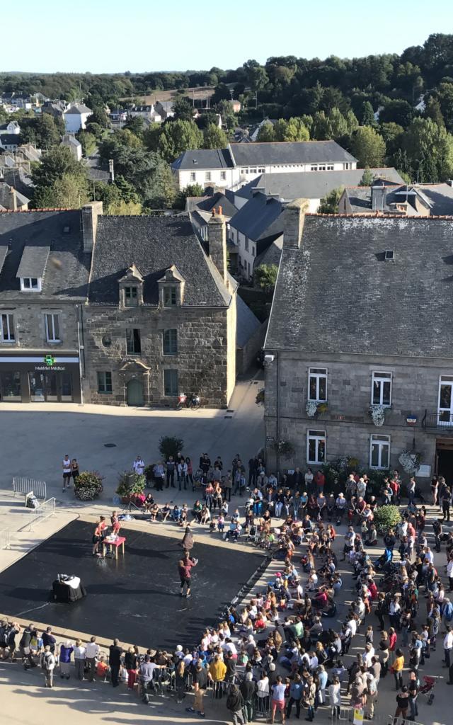 Plouaret Place Du Bourg