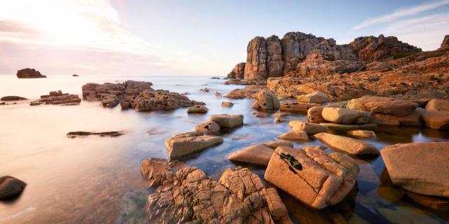 Vue sur les rochers de Plougrescant