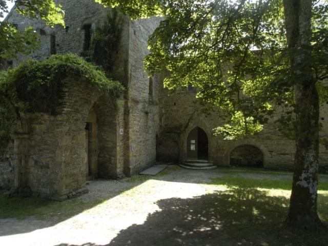 plouneour-menez-abbaye-du-relecq-2-service-inventaire.jpg