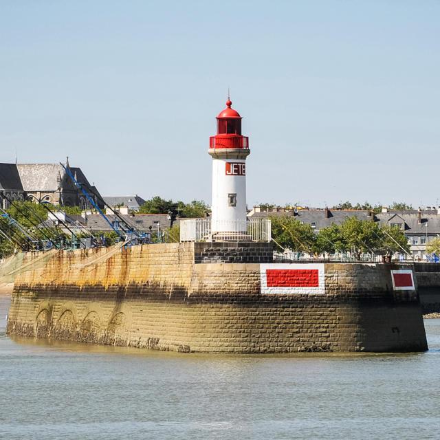 saint-nazaire-phare-de-lavant-port-m-leduc.jpg