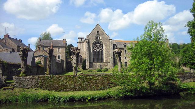 Vue de l'Abbaye de Léhon