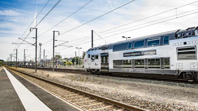 Nouvelles rames TER Bretagne en gare de Guingamp