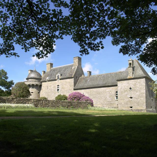 Château de Kergroadez - Brélès