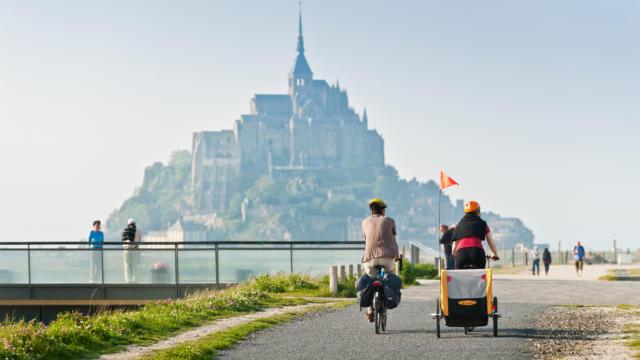 A vélo en famille dans la baie du Mont Saint-Michel