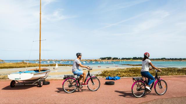Balade en vélek'tro sur la Côte de Granit rose