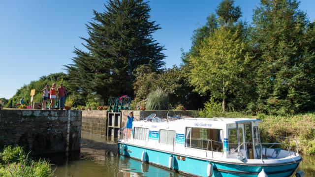 Canal de Nantes a Brest - Malestroit - Le Roc Saint-André