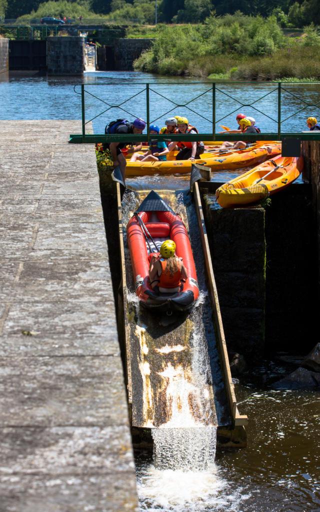 kayak-sur-les-glissires-lcluse-de-glomel-bourcier-simon-j3.jpg