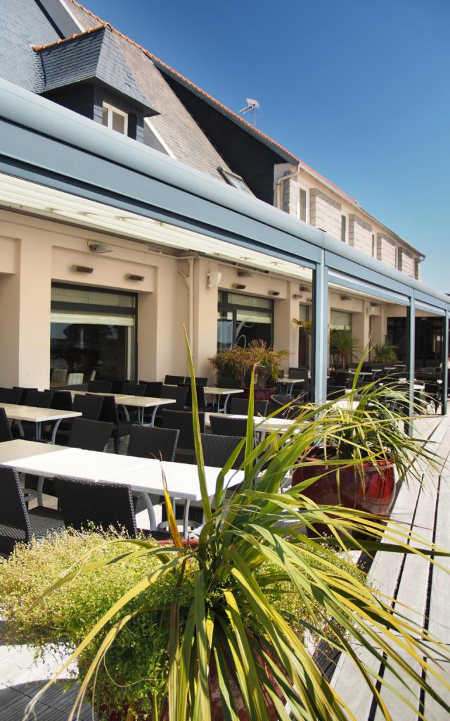 La terrasse du restaurant Le Castel Ac'h à Plouguerneau