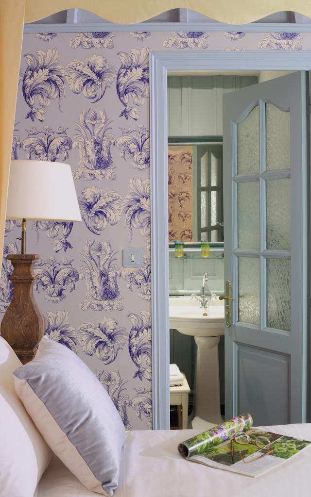 chateau-ballue-bretagne-mont-saint-michel-chambre-charme-florence-salle-de-bain-entree-c-ludovic-maisant.jpeg