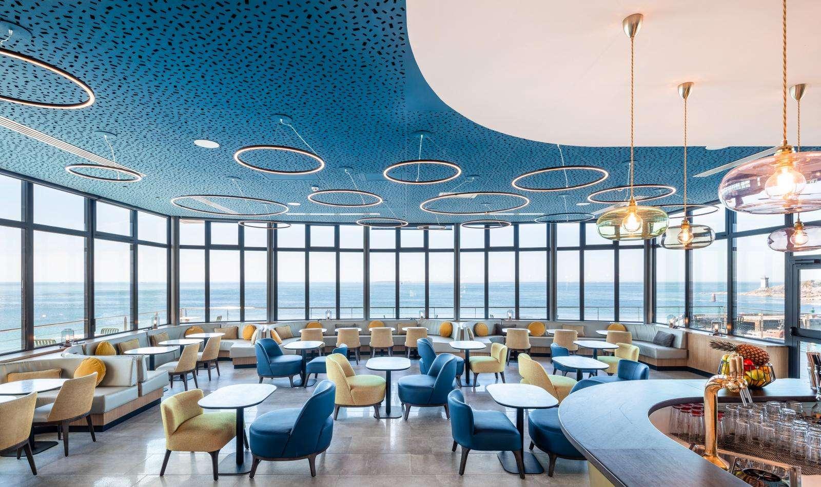 Hôtel Sainte-Barbe - Le Conquet - salle de restaurant vue mer