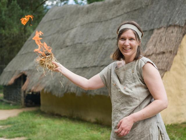 Monteneuf - Archéosite - Faire du feu