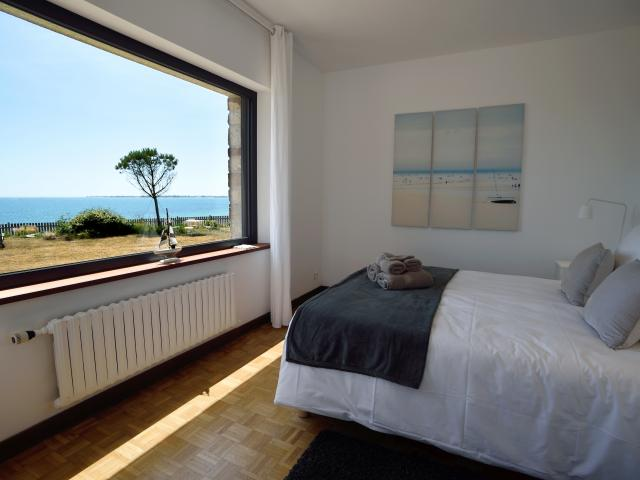 villa-de-la-plage--sainte-marine-chambre-face-mer-vincent-lessirard.jpg