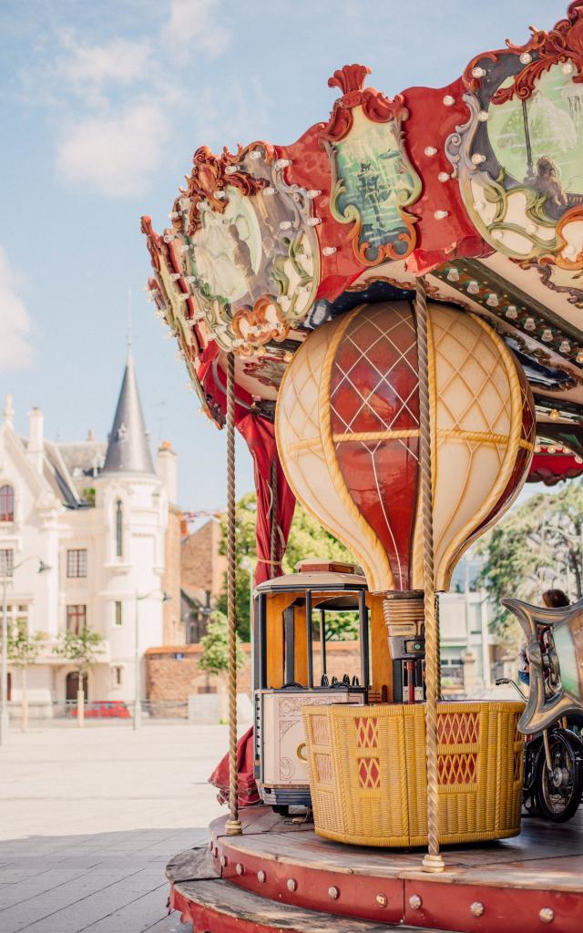 Rennes - Place Hoche - manège