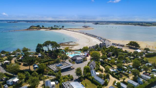 Camping Ar Kleguer - Saint-Pol-de-Léon - accès direct à la mer