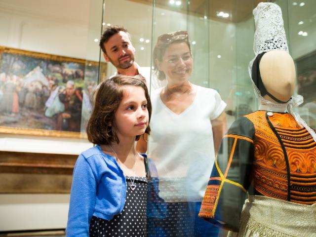 Visite du Musee departemental breton en famille,