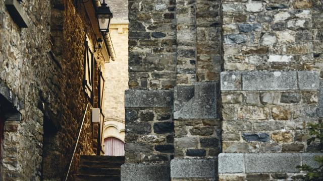 Saint-Aubin-du-Cormier - Une ruelle