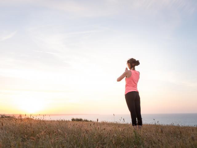 Yoga dans la Baie de Saint-Brieuc - Pointe du Roselier au coucher du soleil