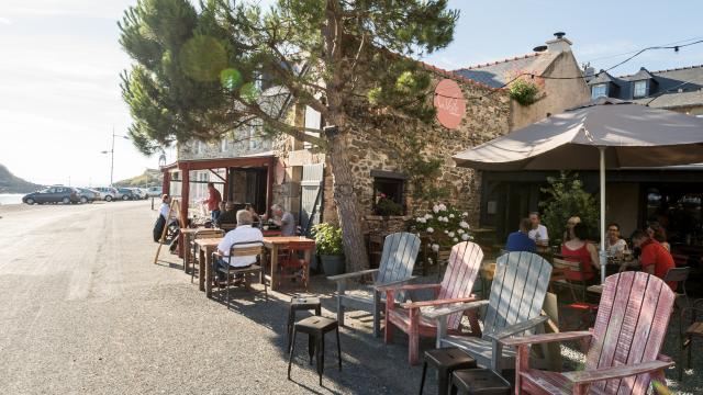 Restaurant La Voile, le port du Dahouët, Pléneuf-Val-André (22)