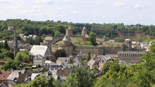 Fougères - La vallée de Nançon et le château