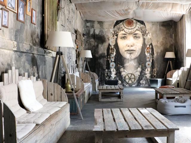 dedale-cafe-yseult-yz-digan-credit-stephanie-biju-2.jpg