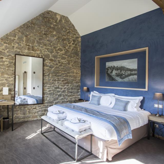 hotel-de-labbaye-le-tronchet-chambre-confort-n15.jpg