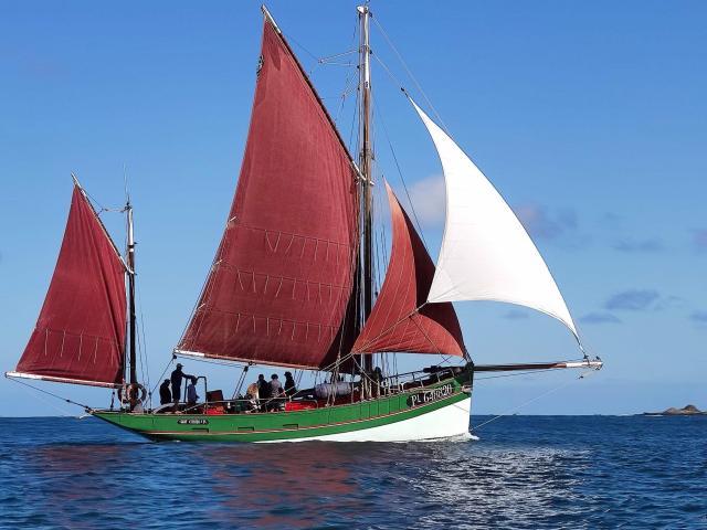 Voilier du patrimoine le Saint-Guirec - au large des 7 îles - Perros-Guirec (22)