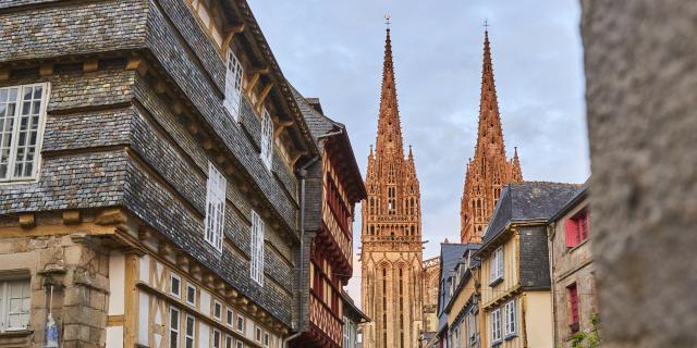 Quimper - vue sur la cathédrale Saint Corentin