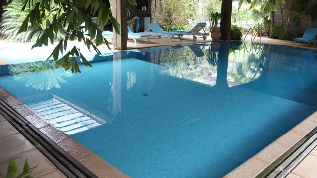 Manoir de Tregaray - Sixt-sur-Aff - piscine couverte