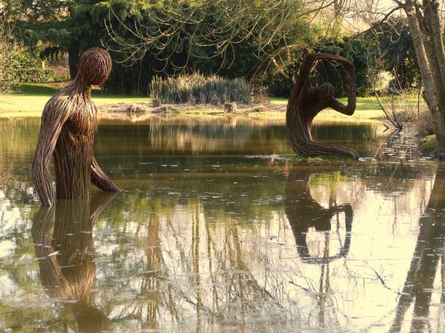 Châteaubourg - Jardin des arts - Eau source de vie - Sophie Châteaubourg - Jardin des arts 2021- L'eau, source de vie - Sophie Prestigiacomo & Régis Poisson