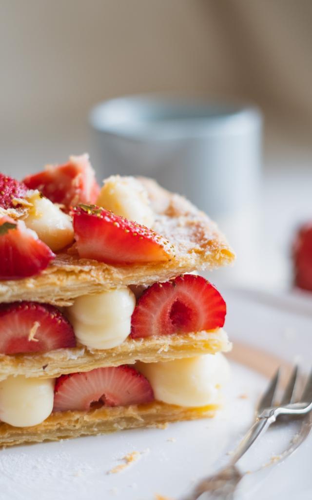 patisserie-aux-fraises-dilyara-garifullina-unsplash.jpg