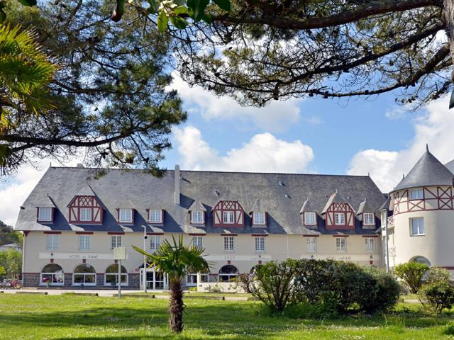Hôtel de Diane_Sables d'or les Pins_Hugo Renouardière