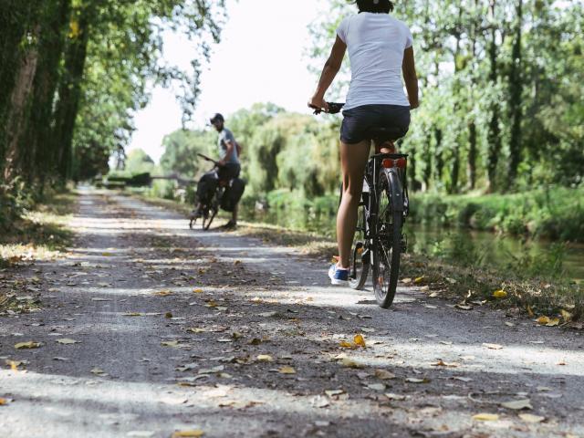Bains-sur-Oust - à vélo à l'île aux Pies