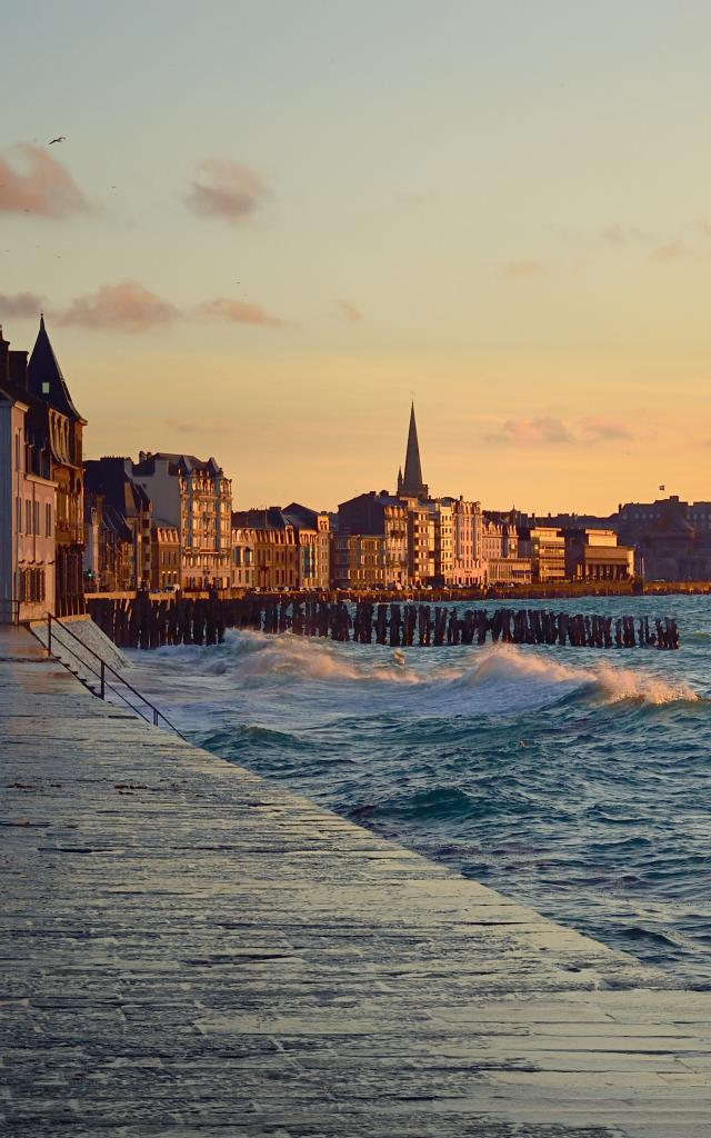 Grande marée sur le sillon de St Malo
